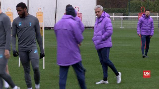 Jose Mourinho minta semua pihak hormati keputusan Chrisitian Eriksen.
