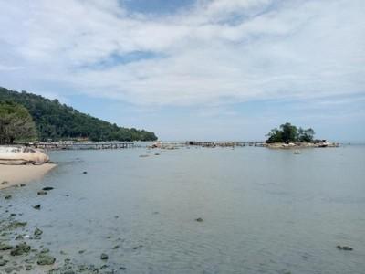Konon Pulau di Singkawang Ini Adalah yang Terkecil di Dunia