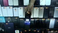 Pedagang Diimbau Habiskan Stok Ponsel BM