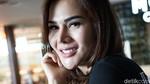 Artis Malaysia Ini Diprotes Netizen Karena Terlalu Seksi