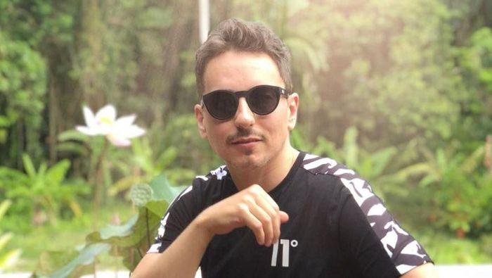 Gaya Jorge Lorenzo
