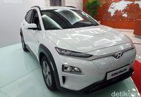 Ke Pabrik Hyundai, Jokowi Tanda Tangani Mobil Listrik