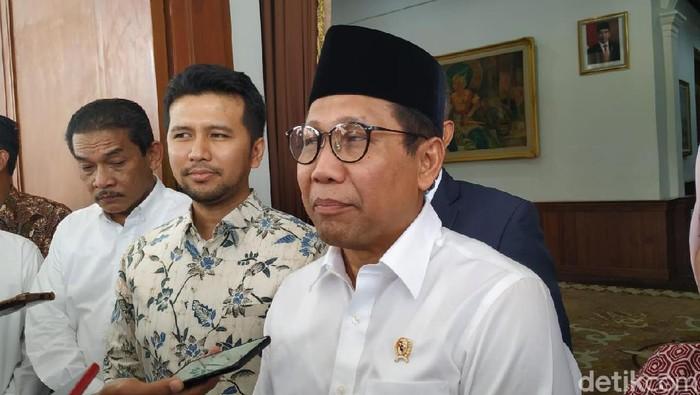 Mendes PDTT Abdul Halim Iskandar memberangkatkan 100 KK dari Jawa Timur untuk mengikuti program transmigrasi ke Kalimantan Utara. Halim mengatakan, pihaknya akan terus memantau kondisi para transmigran di sana.