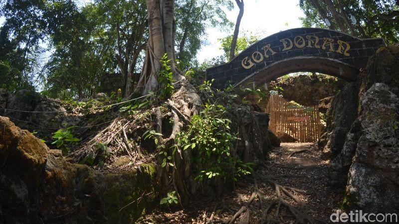 Satu dari sekian banyak destinasi wisata penunjang pantai Pangandaran adalah Gua Donan. Objek wisata ini terletak di Dusun Cintamaju, Desa Tunggilis, Kecamatan Kalipucang, Pangandaran. (Faizal Amiruddin/detikcom)