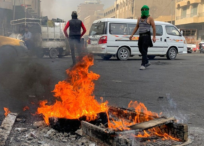 Foto: Kericuhan di Irak (AP Photo/Ali Abdul Hassan)
