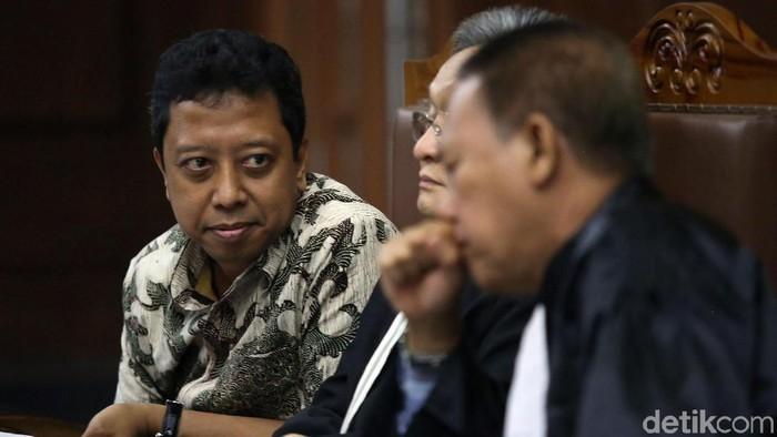 Romahurmuziy dalam persidangan di Pengadilan Tipikor Jakarta. (Agung Pambudhy/detikcom)