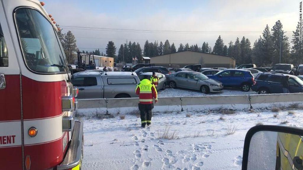 60 Mobil Alami Kecelakaan Beruntun di AS Usai Badai Salju