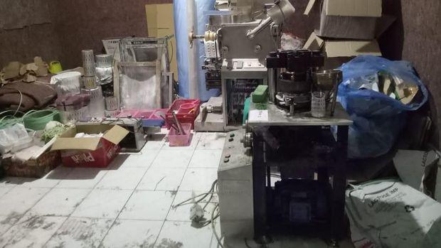 Pabrik Narkoba di Jabar-Jateng Digerebek, 1,5 Juta Pil PCC Disita