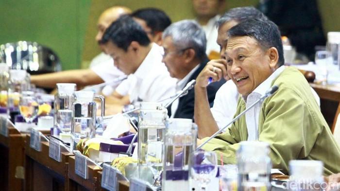 Komisi VII DPR RI hari ini menggelar rapat kerja dengan Kementerian Energi dan Sumber Daya Mineral (ESDM).