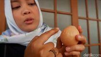 Sejak Temukan Telur Bertulisan Allah, Peternak Ayam Ini Kian Maju Usahanya