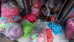 Peluang Bisnis! Sulap Sampah Fashion Jadi Masker