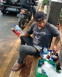 Jualan Minuman di Depok, Anak Punk Bertato Ini Jago Mengaji