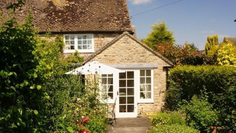 Inisiatif tak biasa itu pun ditawarkan oleh Independent Cottages, sebuah situs yang memiliki sejumlah penginapan di Inggris. Saat ini mereka tengah menggratiskan biaya menginap diFarthing Cottaga, Cotswolds, Inggris (dok Independent Cottages)
