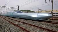 Persaingan kereta cepat akan terus berlanjut ke pengembangan kereta maglev yang melayang dan mampu melesat di kecepatan hampir 643 kph. Jepang telah memiliki jalur Maglev eksperimental sejak 1970-an dan sedang membangun jalurnya lagi sejauh 286 kilometer antara Tokyo dan Nagoya (Foto: CNN)