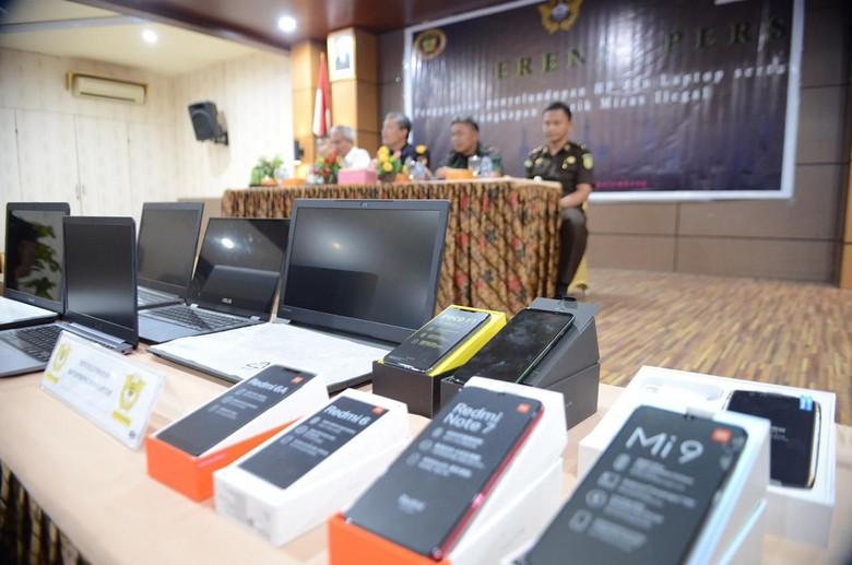 Bea Cukai Gagalkan Penyelundupan Ribuan Ponsel-Laptop Ilegal di Sumsel