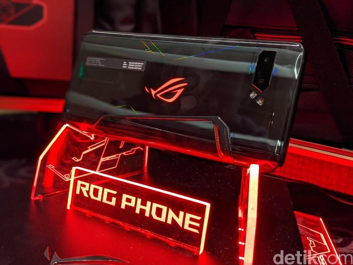 ROG Phone 2. Foto: Adi Fida Rahman/detikINET