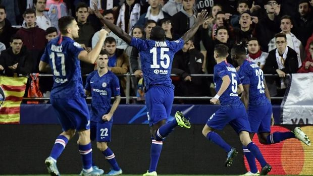 Christian Pulisic membawa Chelsea unggul 2-1.