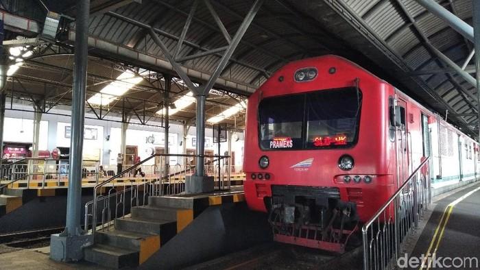 Kereta Prameks di Stasiun Tugu, Yogyakarta, Kamis (28/11/2019).