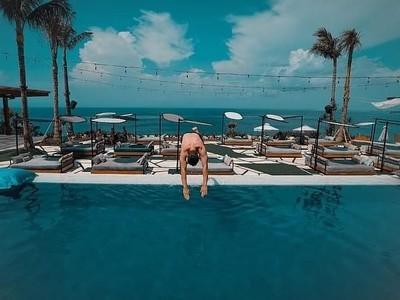 Intip Momen Lorenzo Main Air di Bali