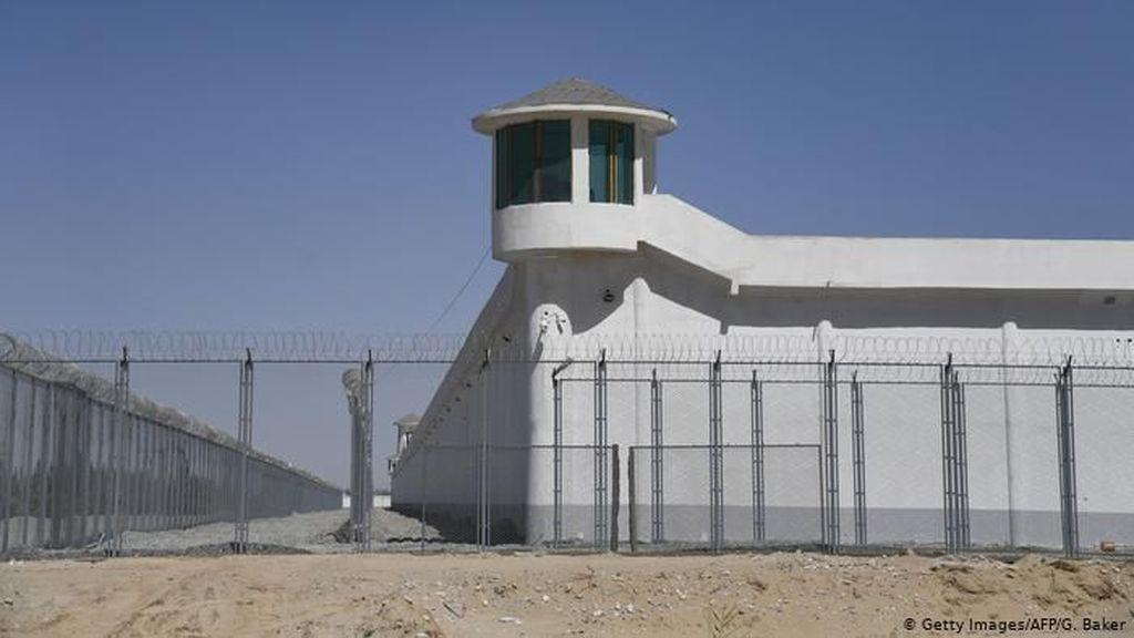 China Akan Terus Lanjutkan Pelatihan Warga Muslim di Xinjiang