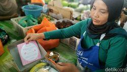 La Lembah Manah Akikah, Pedagang Pasar Gede Dapat Nasi Kambing