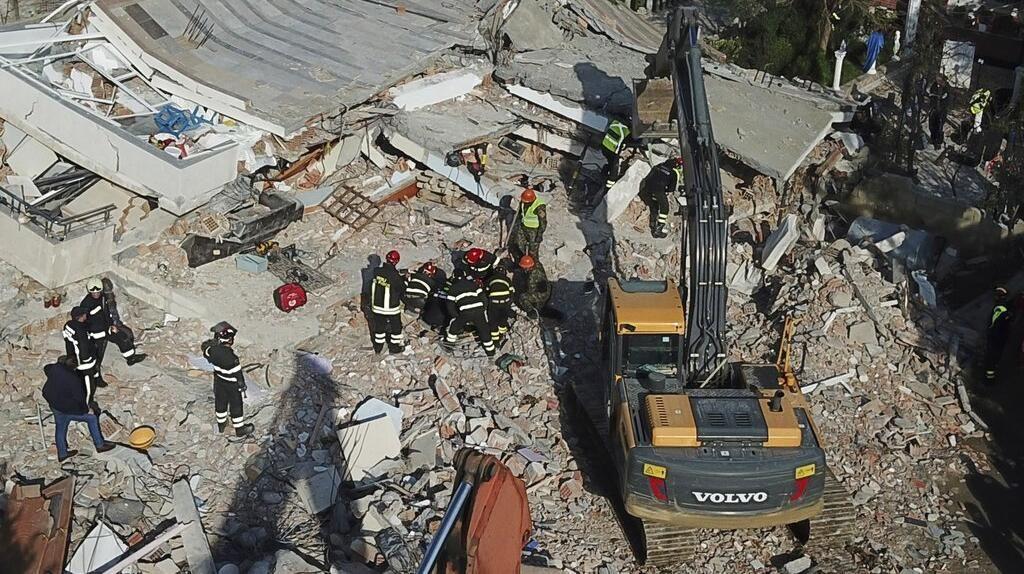 Korban Gempa Albania Bertambah: 41 Orang Tewas, 750 Terluka
