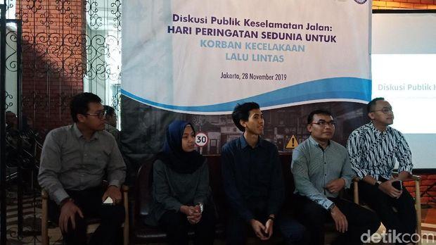 Diskusi peringatan Hari Peringatan Sedunia untuk Korban Kecelakaan Lalu Lintas
