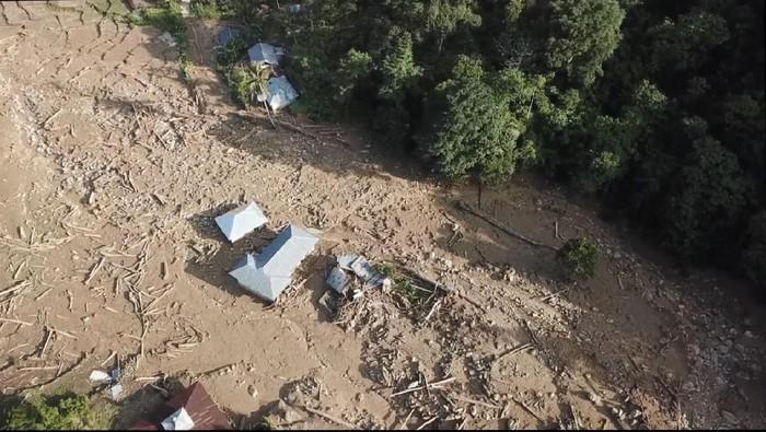 Penampakan dampak banjir bandang di Solok Selatan (Foto: Jeka Kampai/detikcom)