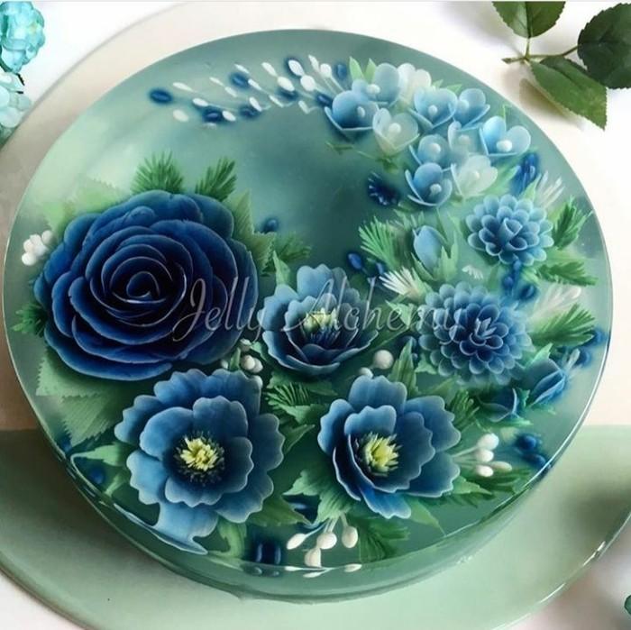 Jelly ini berlukiskan bunga dengan nuansa biru yang cantik, pasti Anda tak tega memakannya. Foto: Instagram @siewhen83