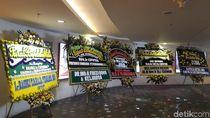 Karangan Bunga dari Ahok Hingga Jokowi Berjejer untuk Ciputra