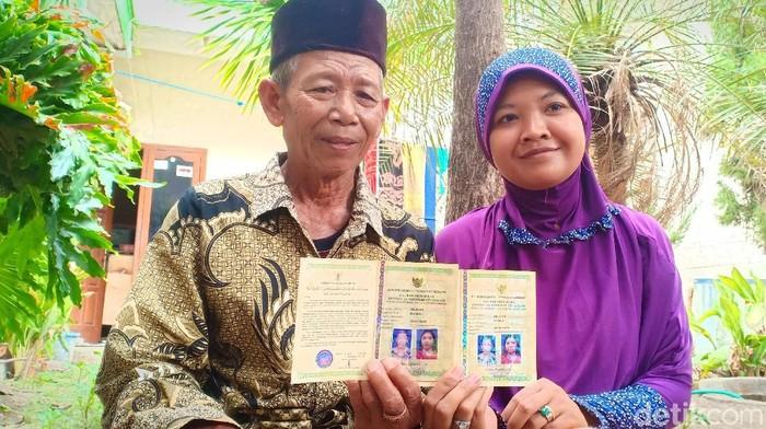 Pasangan beda usia 42 tahun (Foto: Sugeng Harianto)