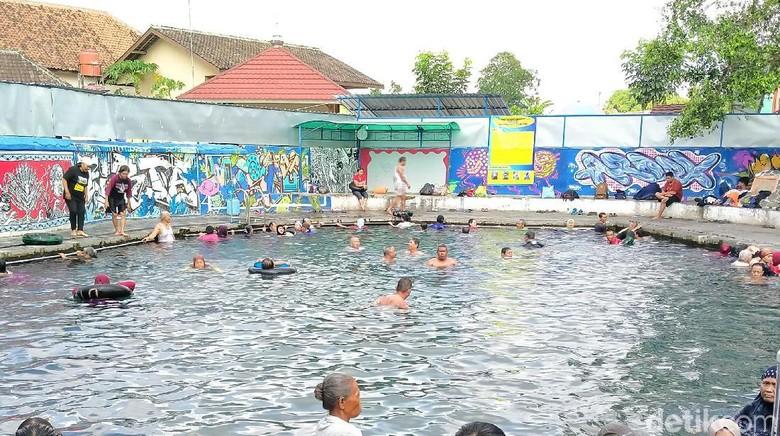 Foto: Wisata terapi air Umbul Brintik (Achmad Syauqi/detikcom)