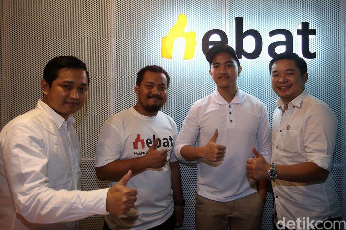 CEO Sang Pisang Kaesang Pangarep didampingi Presdir HEBAT Anthony P. Gan, CEO Yang Ayam Bayu, CEO Ternakopi Ansari Kadir meresmikan kantor Harapan Bangsa Kita (HEBAT) di Jakarta, Kamis (28/11/2019).