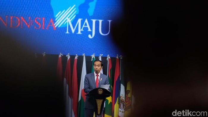 Presiden Jokowi saat membuka Kongres Notaris Dunia ke-29 di JCC Senayan, Jakarta, Kamis (28/11/2019). (Andhika/detikcom)