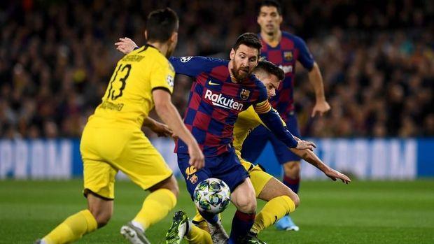 Lionel Messi mencetak satu gol dan memberikan satu assist di babak pertama.