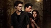 Rilis sejak tahun 2008 silam, film Twilight yang bergenre drama romantis masih mencuri hati para penggemarnya. Setidaknya itulah yang dirasakan oleh warga Kota Forks di Washington, USA (imdb)