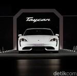 Raffi Ahmad dan Bamsoet Ulas Porsche Taycan, Sudah Dijual di Indonesia?