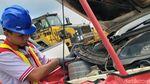 Perawatan Mobil Tambang di Kalimantan