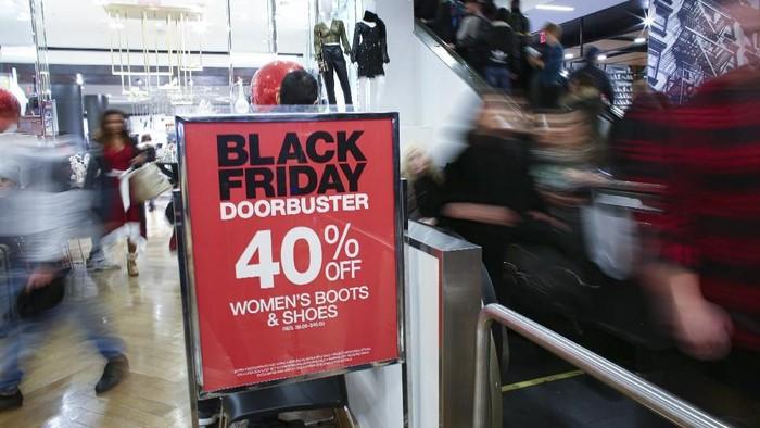 Black Friday jadi momen yang amat dinanti kala perayaan Hari Thanksgiving tiba. Pasalnya di saat itu warga berburu diskon dan promo belanja.