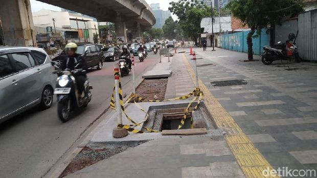 Melihat Revitalisasi Trotoar yang Disebut Bikin Jokowi Stuck 30 Menit