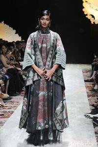 Merayakan Sang Guru dan Maestro Batik di Koleksi Baru Iwan Tirta