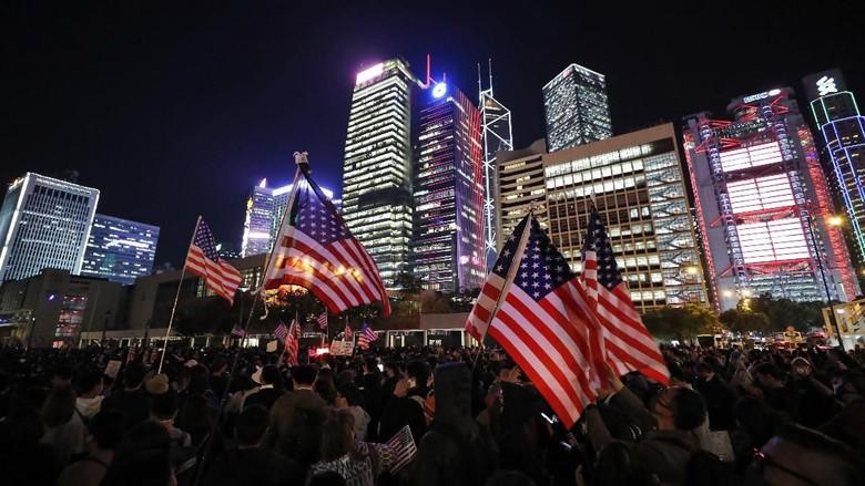 Trump Teken RUU Dukung Mereka, Demonstran Hong Kong Gelar Perayaan