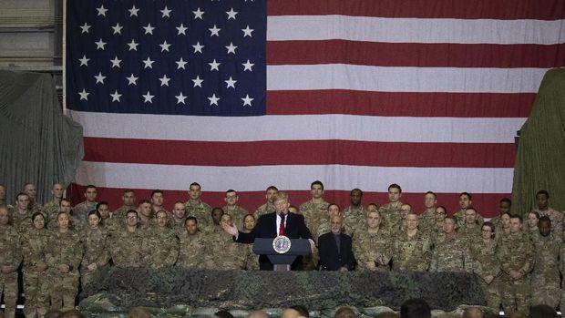 Trump saat berpidato di hadapan tentara AS dalam kunjungan mendadak ke Afghanistan