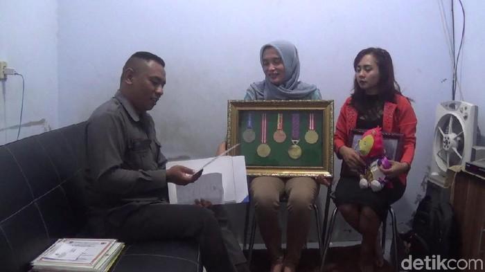 Penasihat hukum dan orang tua Shalfa (Foto: Andhika Dwi Saputra)