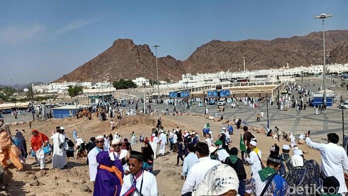 Jabal Uhud, tempat terjadinya Perang Uhud (Foto: Erwin Dariyanto/detikcom)