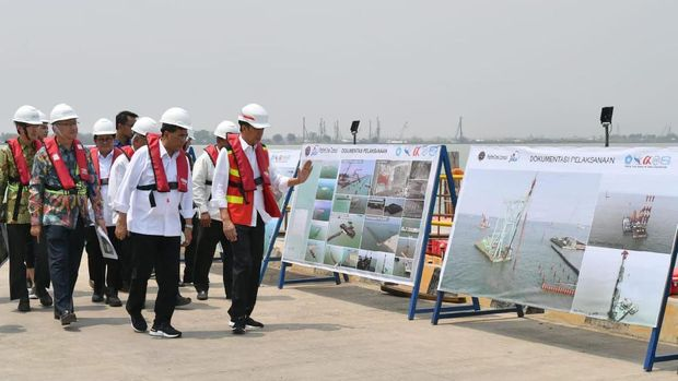 Presiden Ingin Pelabuhan Patimban Jadi Hub Besar untuk Ekspor Otomotif./Laily Rachev - Biro Pers Sekretariat Presiden
