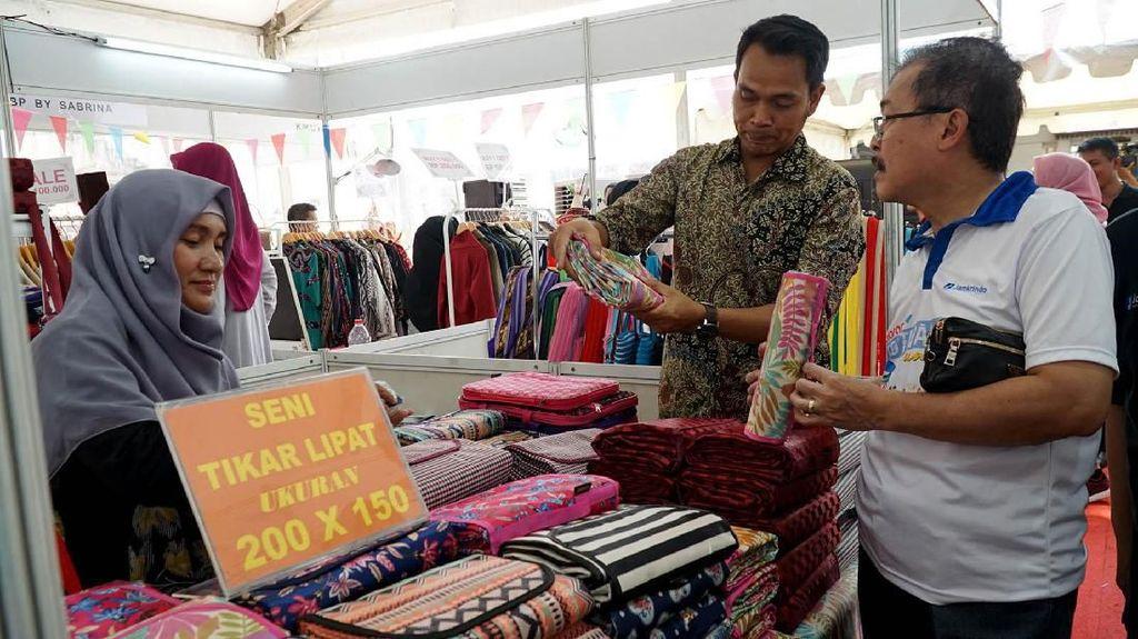 Ragam Kerajinan Mejeng di Festival UMKM