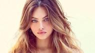 Wanita Tercantik di Dunia Dikritik Usai Posting Foto Pegang Rokok Elektrik