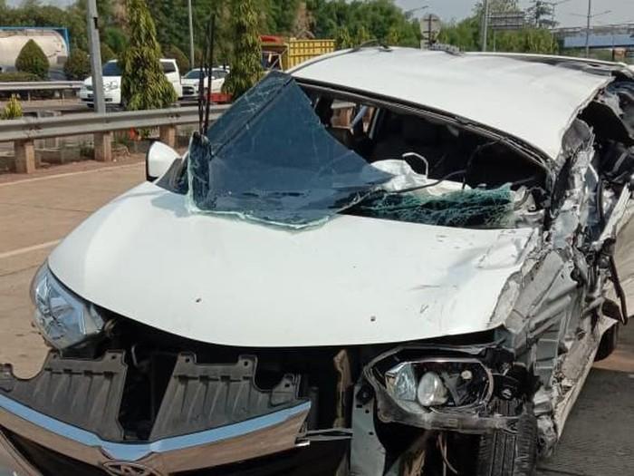 Foto Foto Mobil yang Rusak Akibat Kecelakaan Beruntun di Meruya, Jakbar: Dok. Istimewa
