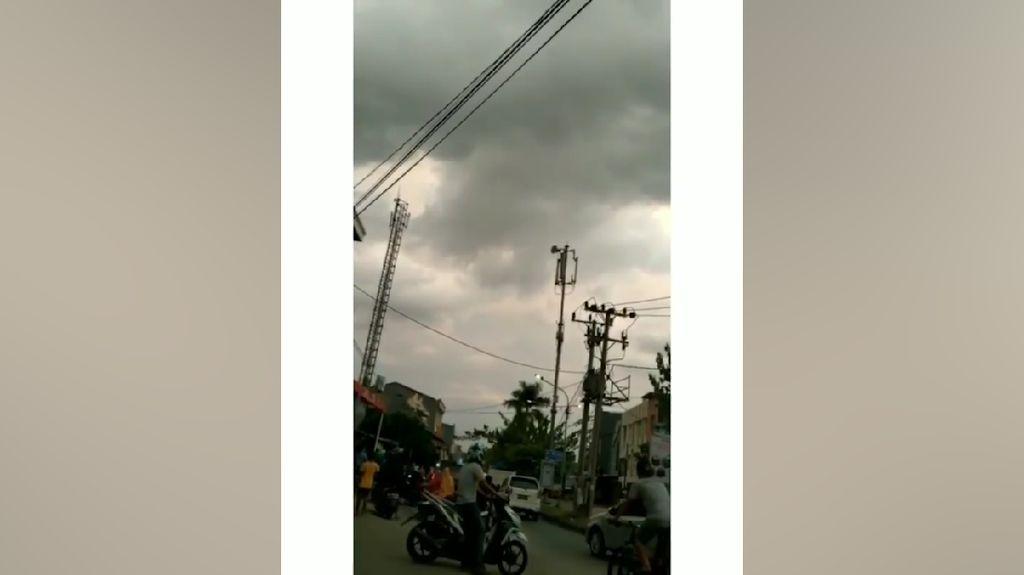 Suara-suara Misterius yang Terdengar di Langit Indonesia